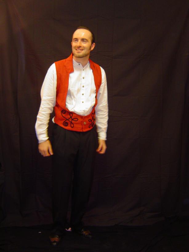 Molino Rojo Outfits