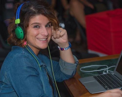 Elisabetta Piro in full DJ mode.