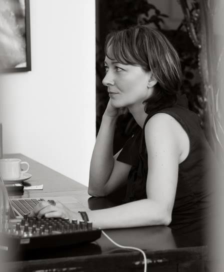 Ewa Zbrzeska immersed in full DJ mode.