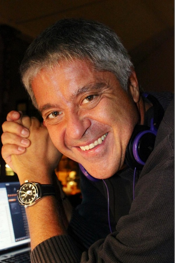 Roberto Rampini in DJ mode.